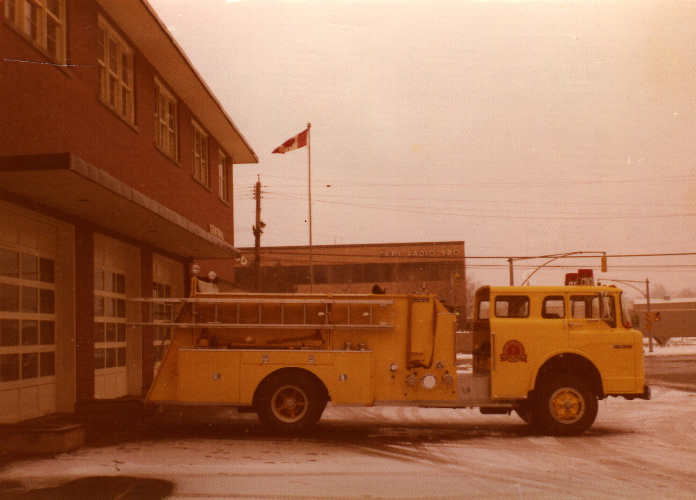 Yellow Engine 1 , 1974 Ford/King