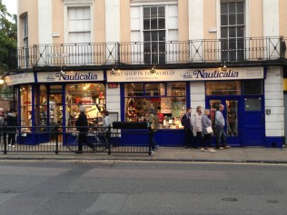 Check the sign: The first shop in the world based on longitude ;) Clever, clever!