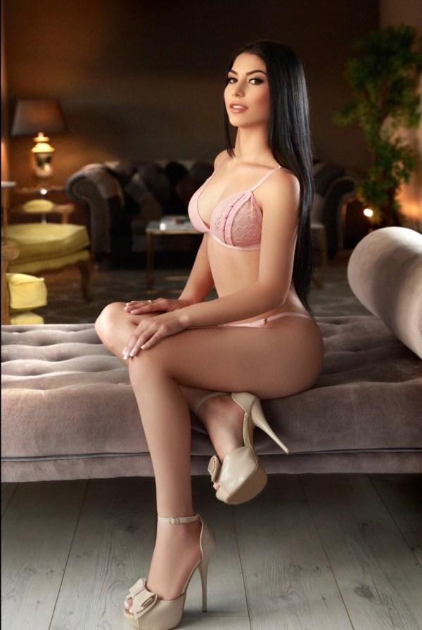 Amora 34C Marylebone Escort in London