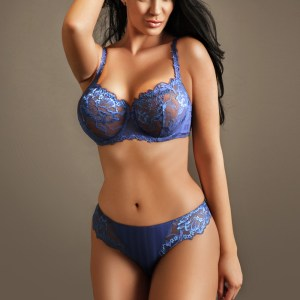 Clarissa Sexy Brunette 36DD Busty Gloucester Road Escort in London
