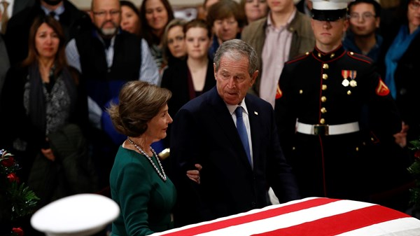 Mourning HW Bush, Politics, People