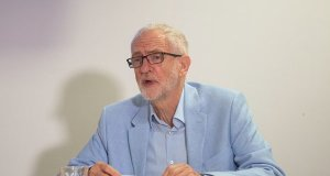 Jeremy Corbyn backs remain ahead of no-deal brexit