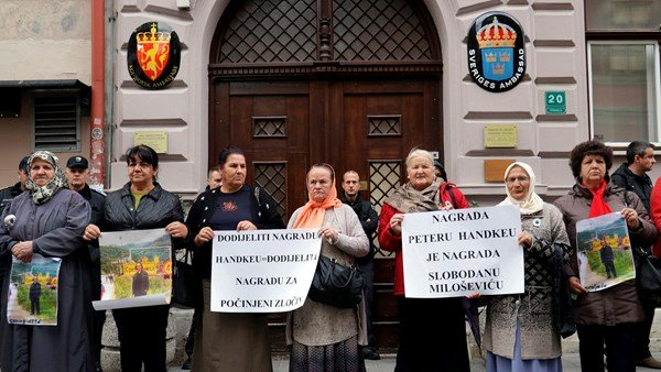 Serb; Srebrenica massacre survivors condemn the nobel prize committee
