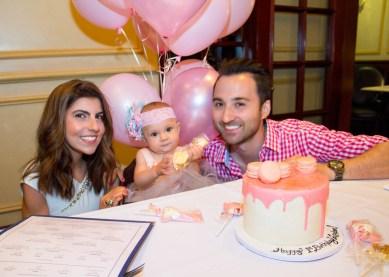 babys-first-birthday-party-checklist-17