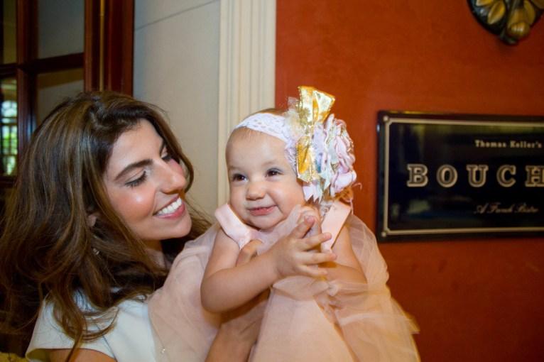 babys-first-birthday-party-checklist-33