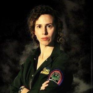 Katy Schutte in One Woman Alien