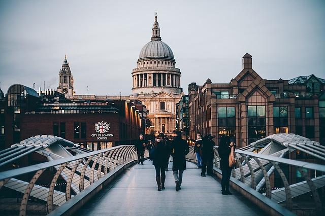 Porque todo mundo tem que ir para Londres pelo menos 1 vez na vida