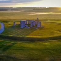 Acompanhe o solstício de verão direto de Stonehenge