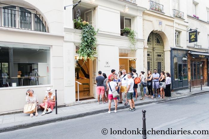 Queue forming outside Claus Paris