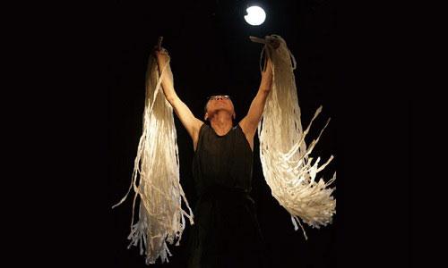 Theatre Momzit: Empty Hands