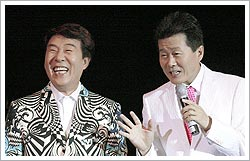 Song Tae-gwan (left) with Tae Jin-a
