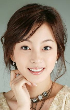 Han Ye-seul, who according to the Seoul Times has recently had plastic surgery