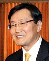 Dr Jun Kwang-woo