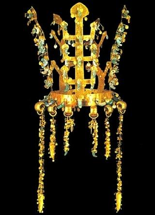 Hwang-nam Silla gold crown