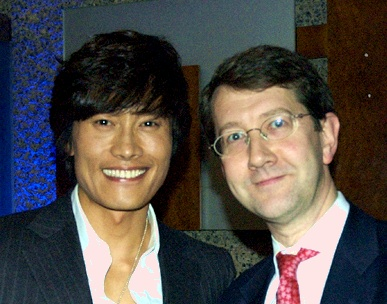 LKL blogmeister with Lee Byung-hun. Photo credit Jo Seong-hee