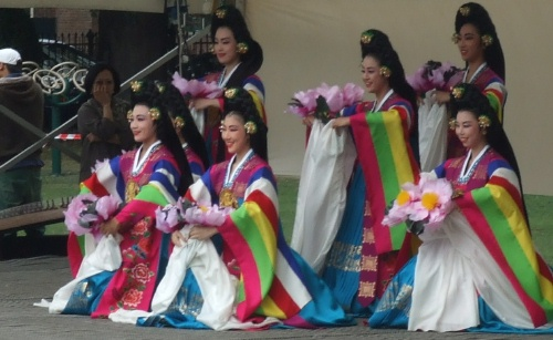 A performance of the lotus flower dance at the 2009 festival