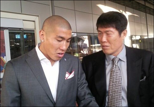 Cha Du-ri with father Cha Bum-kun