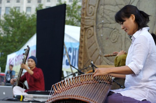 Baramgot's Park Suna on gayageum at the Thames Festival