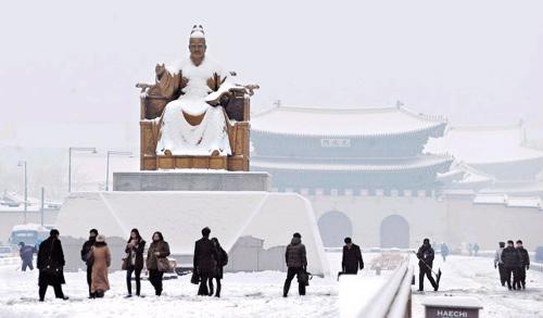 King Sejong in snow - Chosun Ilbo