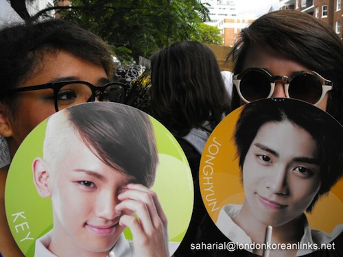 Featured image for post: SHINee Happy People: fans turn out in force to greet their favourite K-pop band