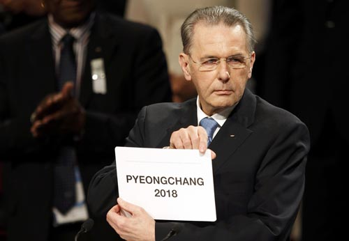 IOC President Rogge announces Pyeongchang as host for 2018 Winter Olympics