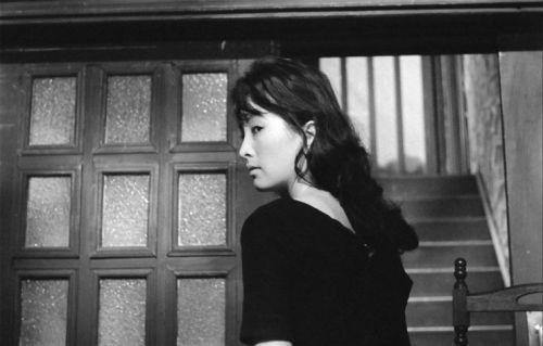 Lee Eun-shim plays the sinister maid in Kim Ki-young's original