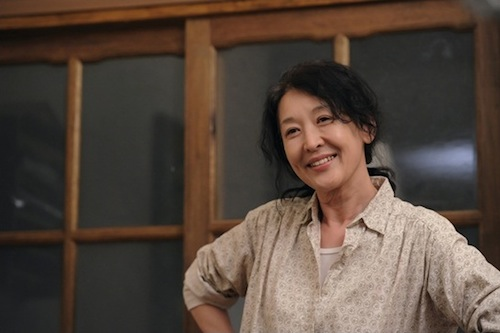 Spring Snow: Kim Soon-ok (Yoon Suk Hwa) in happier times
