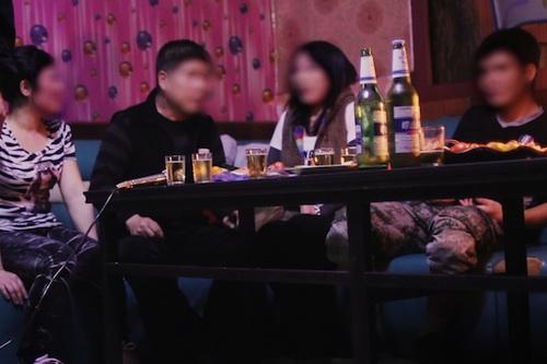 North Korean defectors in a karaoke bar