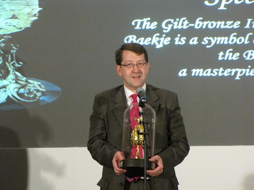 Accepting the award for London Korean Links