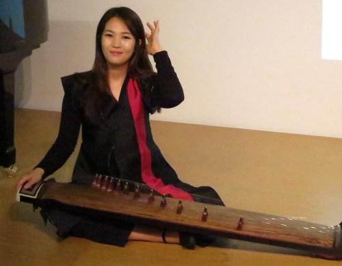 Kim Sun-a demonstrates her steel stringed gayageum at a KCC workshop on 18 June