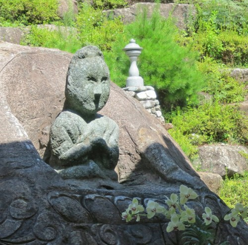 The statue of Mago near Yaksu-sa temple
