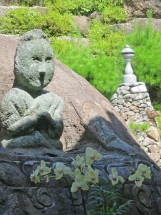 The statue of Mago near Yaksu-sa temple