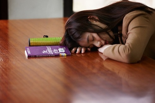 Haewon asleep in the library
