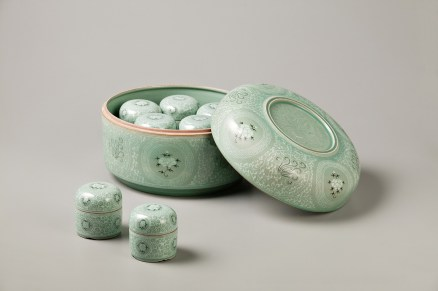 Celadon Case with Baoxiang-hwa design. Gwang Yeol Yu