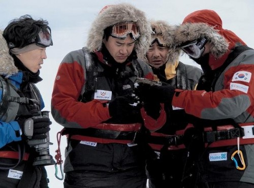 Post image for Antarctic Journal: a promising start, a confusing end, and a film to be avoided