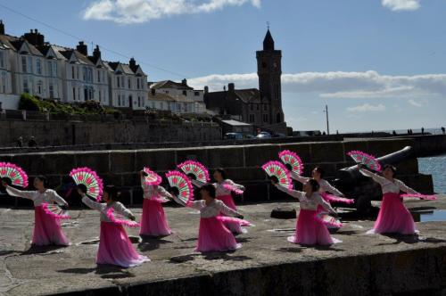 Fan Dance in Porthleven