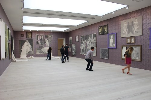 Installation view of Cho Duck-hyun's Nora Collection (2008)
