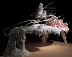 Lee Bul, Maquette for Mon grand récit, 2005. 61 x 114 x 62 cm (68.8 x 121.8 x 102.8 cm including wooden base panel). Private collection, Seoul. Photo Rhee Jae-yong. Courtesy PKM etc