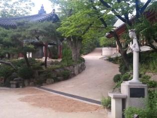 The temple bell and the status of Avalokitesvara Guan Yin Buddha at Gilsangsa