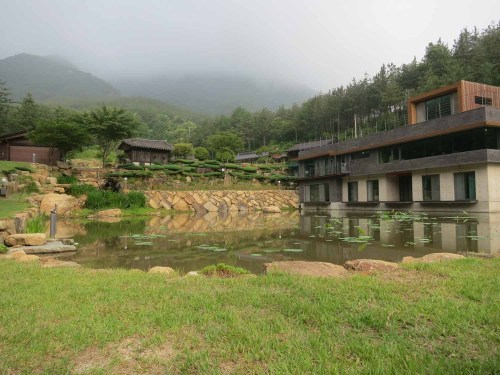 The new guest accommodation at Suseonsa