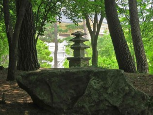 Stone pagoda in the Hee Won