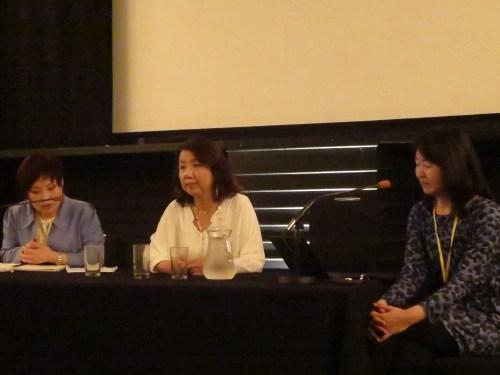 Yang Ching-ja (centre) with Kawai Yuko (right)