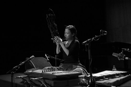 Park Jiha playing the saenghwang in rehearsal