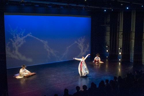 Sanjo dance with ajaeng, Hwang Mubong Style