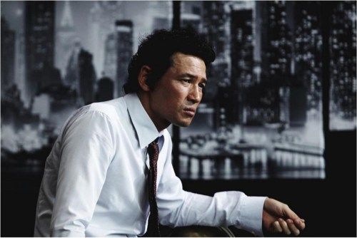 Hwang Jung-min in New World