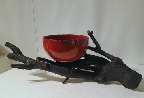 Lacquer bowl by Kim Seol