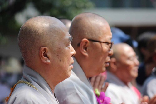 Prayers during the Yeongsanjae