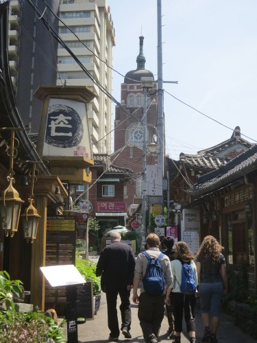 Walking through the alleyways of Insadong