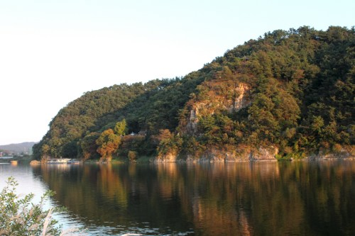 Nakhwaam - the cliff where 3,000 Baekje palace women jumped to their deaths.