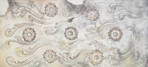 The painting of lotus flowers and clouds on the ceiling of the first tomb